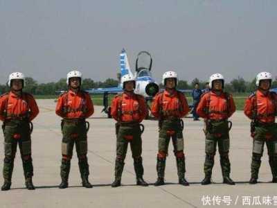 我国飞机数量 我国空军一个师有多少人和多少架飞机